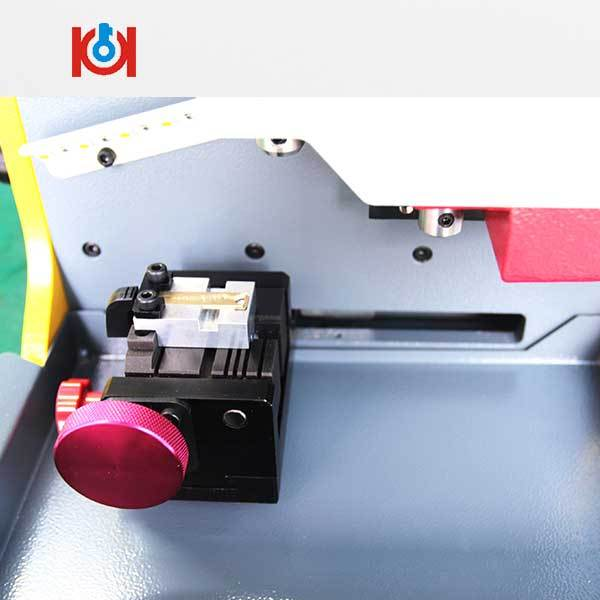 TOY2 Key Clamp For SEC-E9 Key Cutting Machine