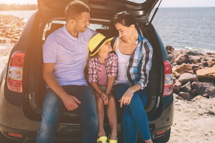 social-distancing-summer-celebrate-family-small-family-at-beach-on-vacation-road-trip-travel