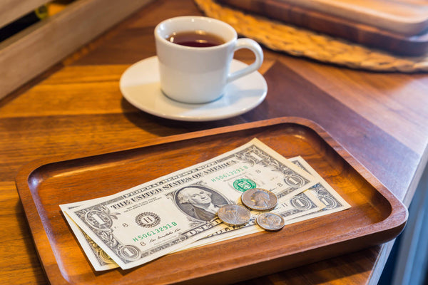 How Much to Tip when Dining Out: Your Ultimate Tipping Guide