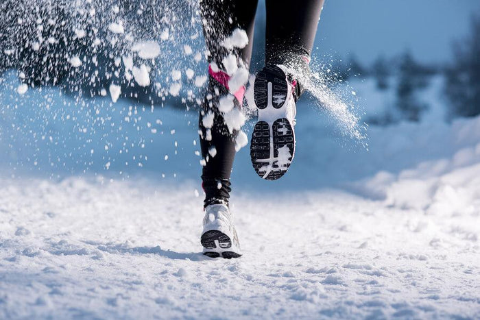 winter workout tips|||||||||women runs in the snow
