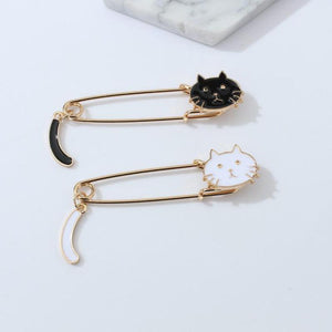 Fashion Drip Small Cat Wagging Tail Animal Brooch Dabie Pin