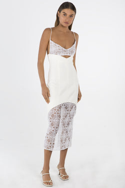 Model wears Irina midi dress with lace in colour ivory