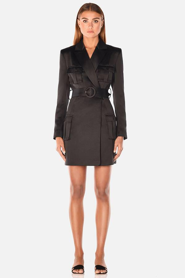 Model wearing Jona blazer mini dress in colour black