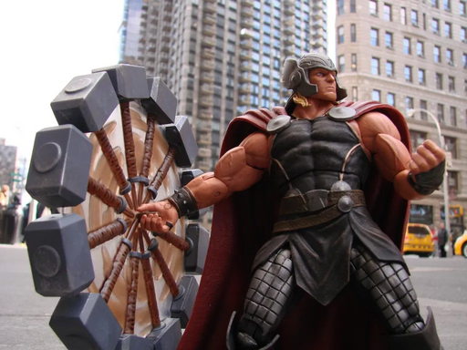 PRE-ORDER: Thor - Mighty Thor Marvel Select Action Figure