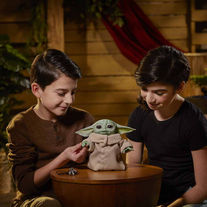 * RETURNING, EXPECTED MID-MARCH * Star Wars The Mandalorian - The Child Animatronic Edition Toy with Pendant