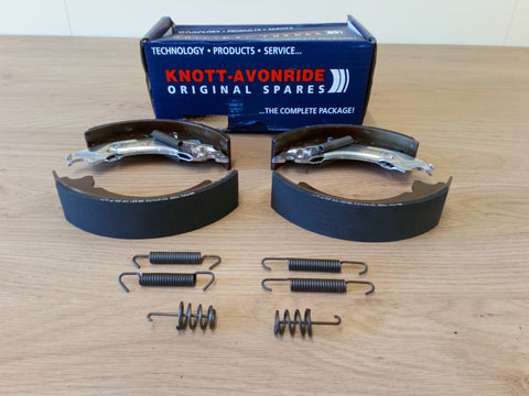 Knott - Avonride 203 x 40 Brake Shoe Kit (1 Axle Set)