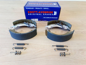 Knott-Avonride 200 x 50 Brake Shoe Kit (1 Axle Set)