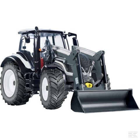 Valtra T174 with front loader Scale 1/32
