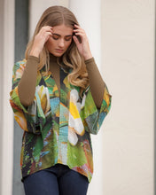 Load image into Gallery viewer, Waterlily Lightweight Kimono