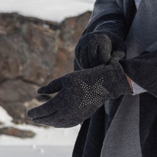 Load image into Gallery viewer, Wool Gloves With Star Embellishment In Grey