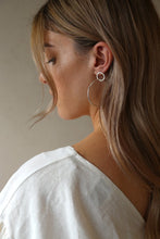 Load image into Gallery viewer, Tuti & Co Sage Silver Earrings