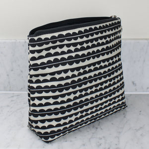 Brownstone London Tall Wash Bag Scallop Design