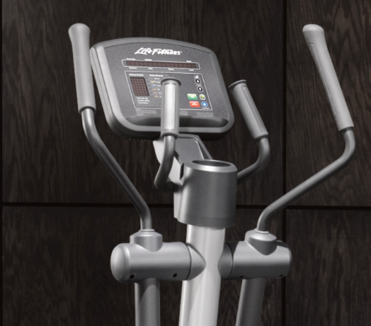 Life Fitness Activate Series Elliptical Cross-Trainer - FREE INSTALLATION