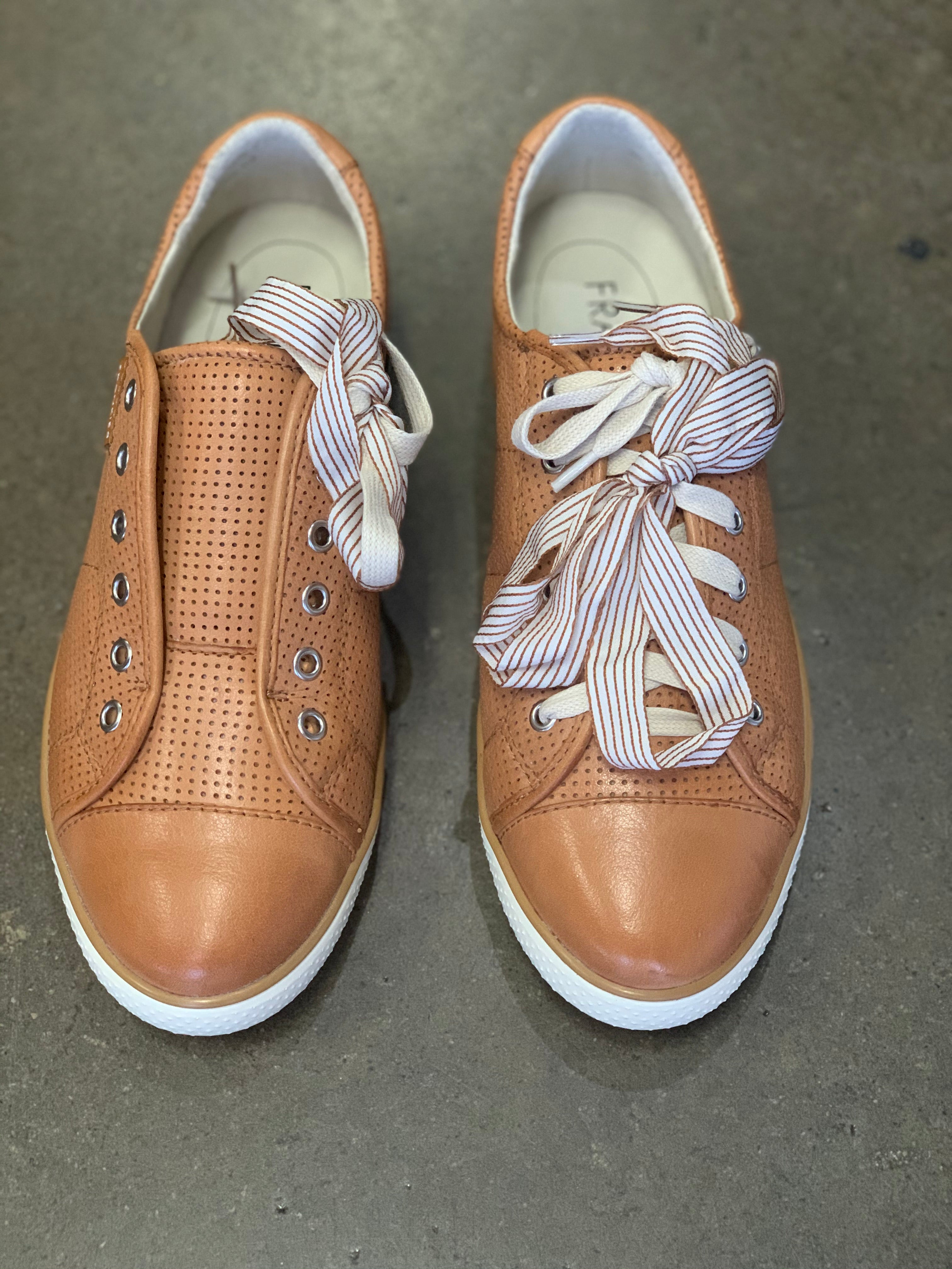 Frankie4 II NAT Tan Punched Sneaker