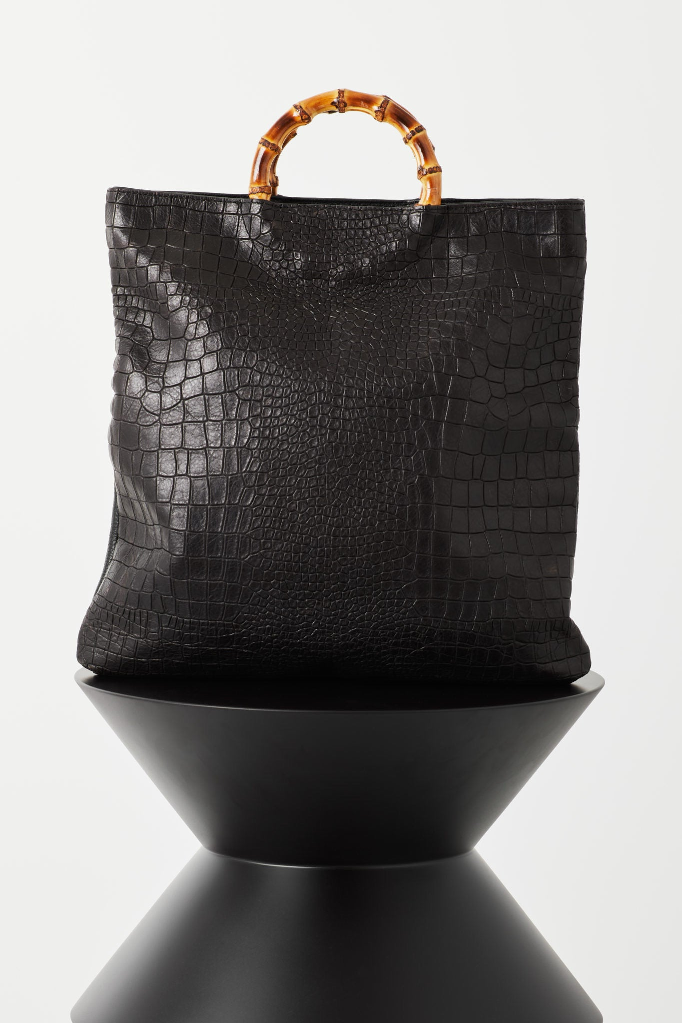 VASH II ELISE Toto / bamboo handle clutch bag / black croc