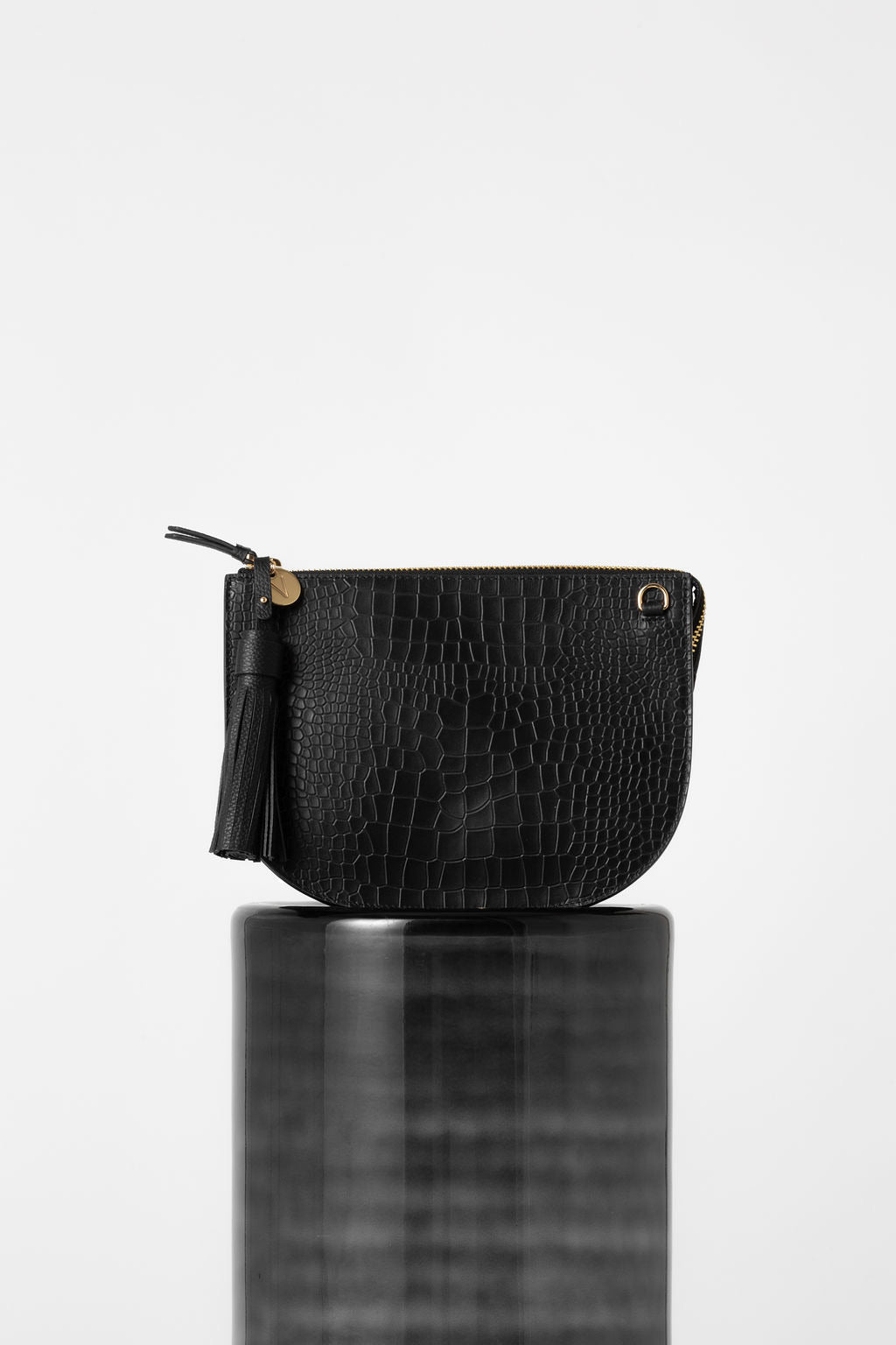VASH II ALPHA Half Moon Croc Bag / black croc