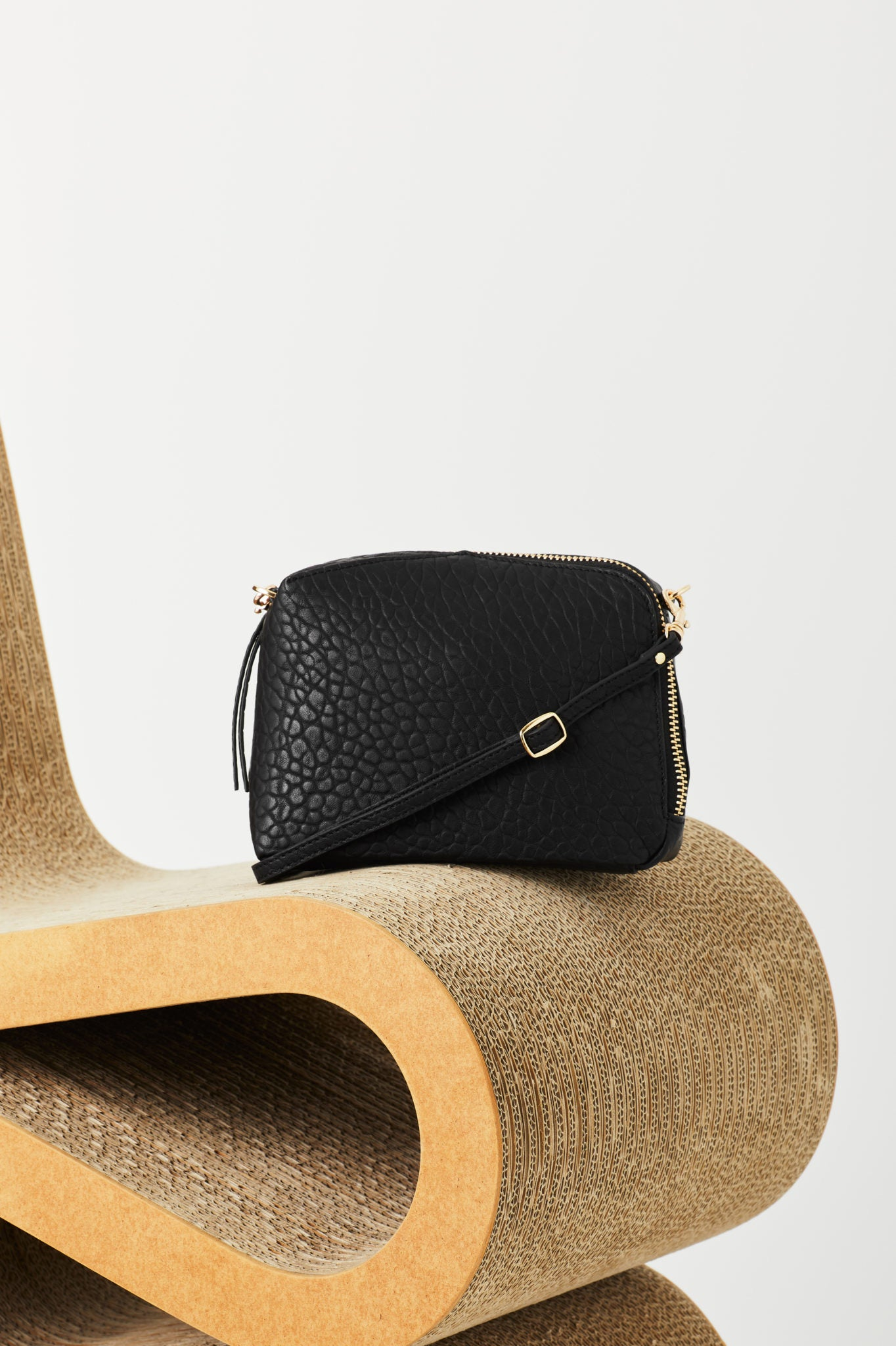 VASH II IZAR Mini CROSSBODY Bag / pebble black