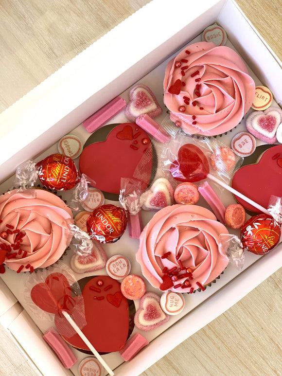 Valentines Bouquet & Sweets Box