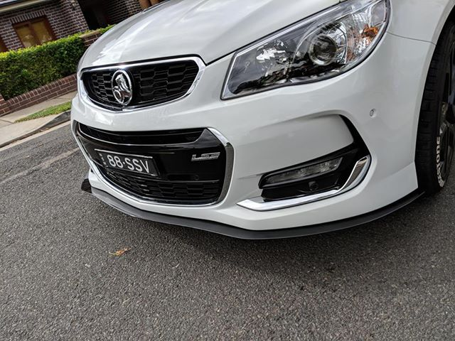 Holden Commodore VF Front Splitter (Large)