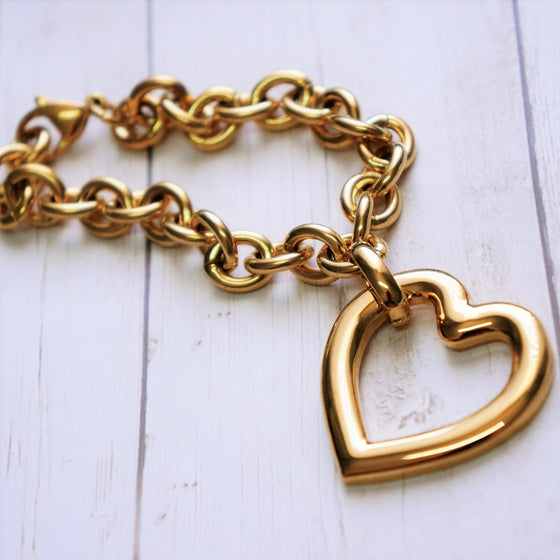 Casual Look Heart Gold Bracelet