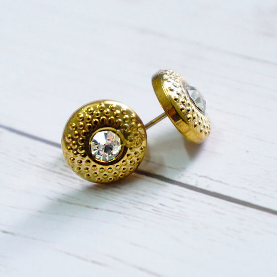 Fine Gold stud earrings