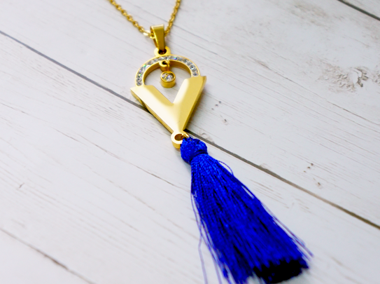 Necklace with blue threads