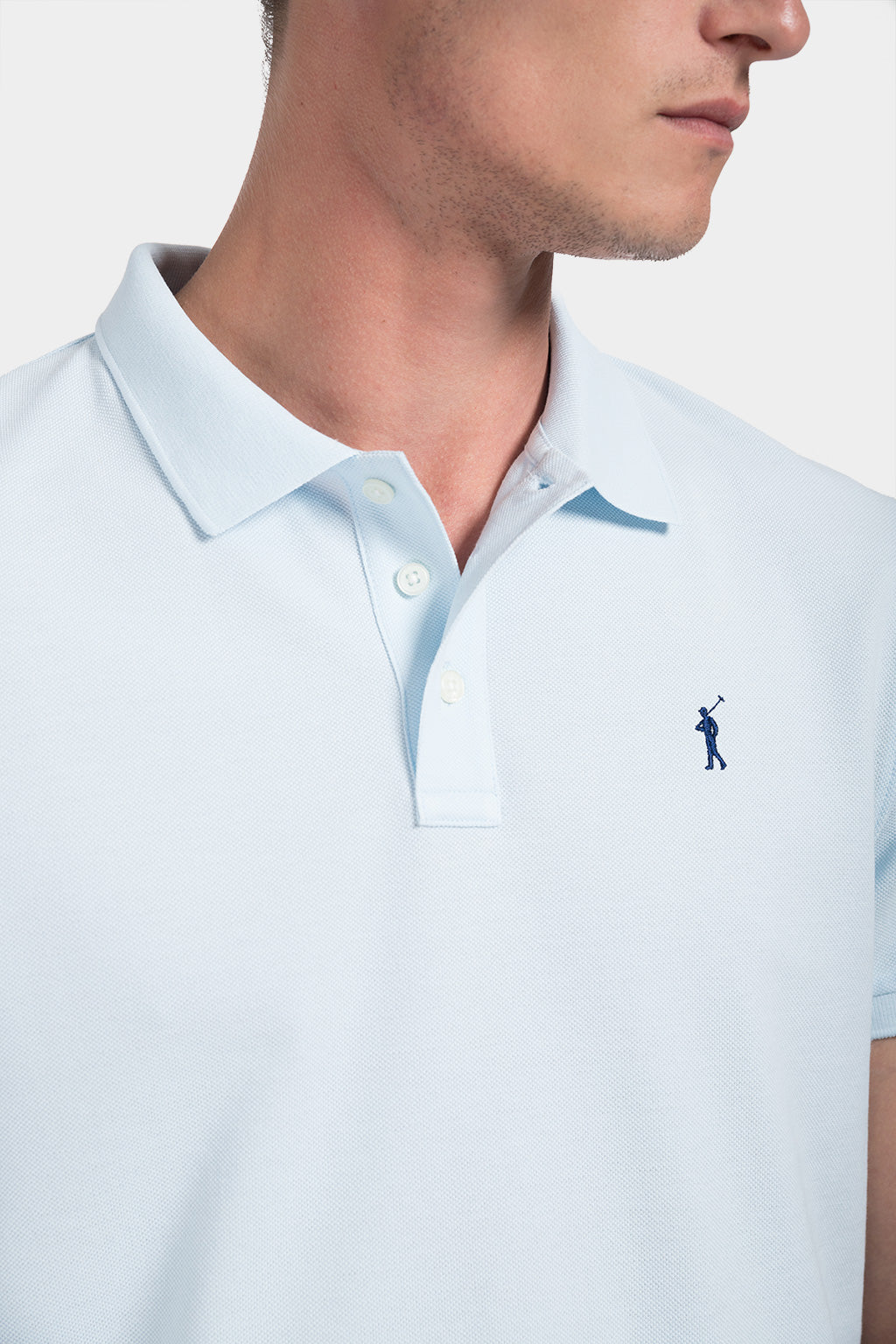 Polo azul celeste custom fit