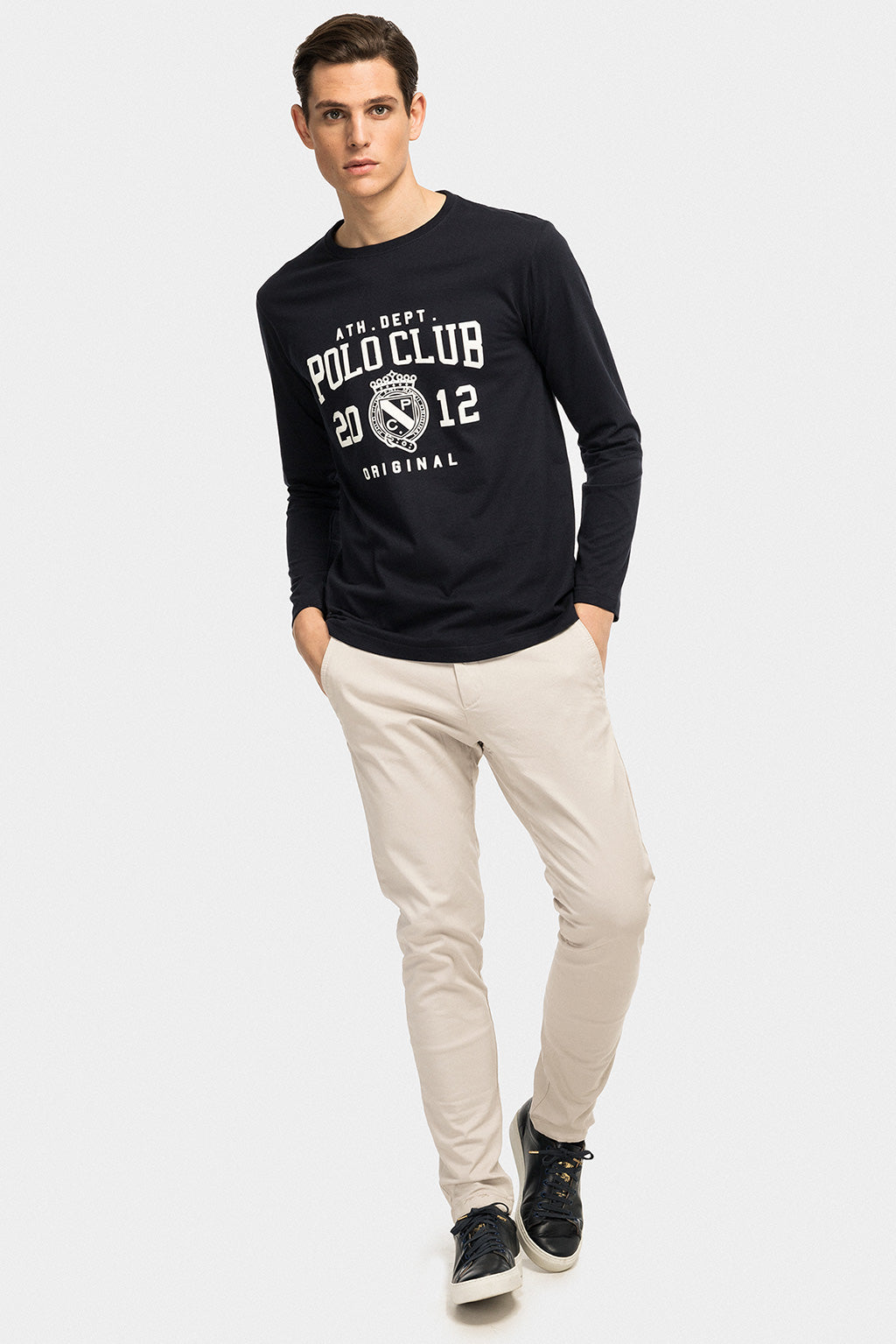 College-inspired navy blue long sleeve tee