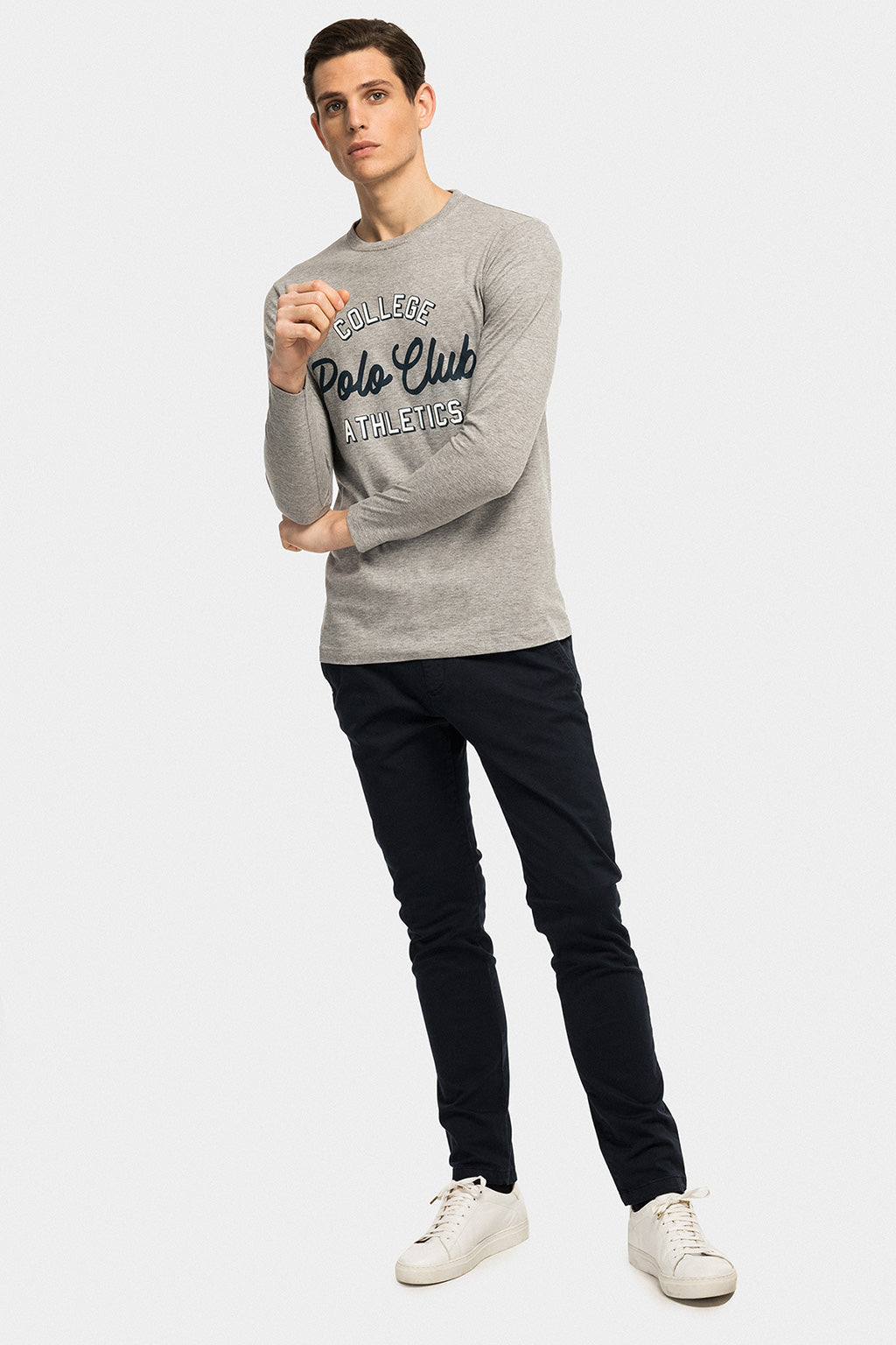 Long sleeve grey tee with front print