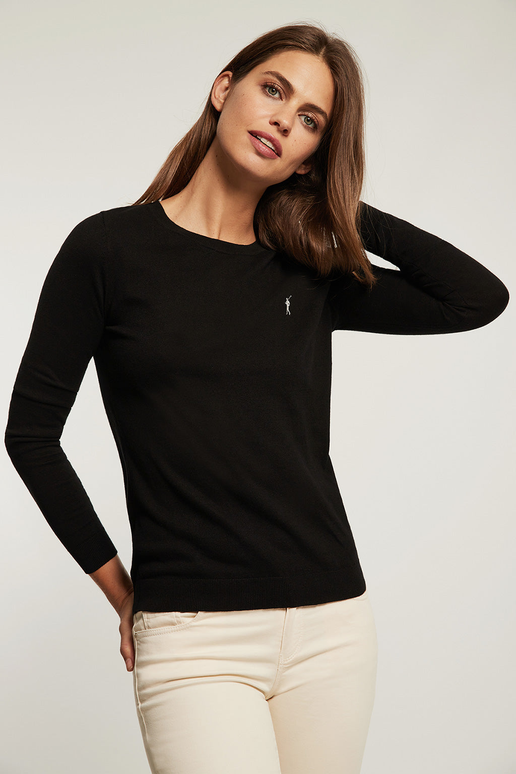 Black round neck light jumper