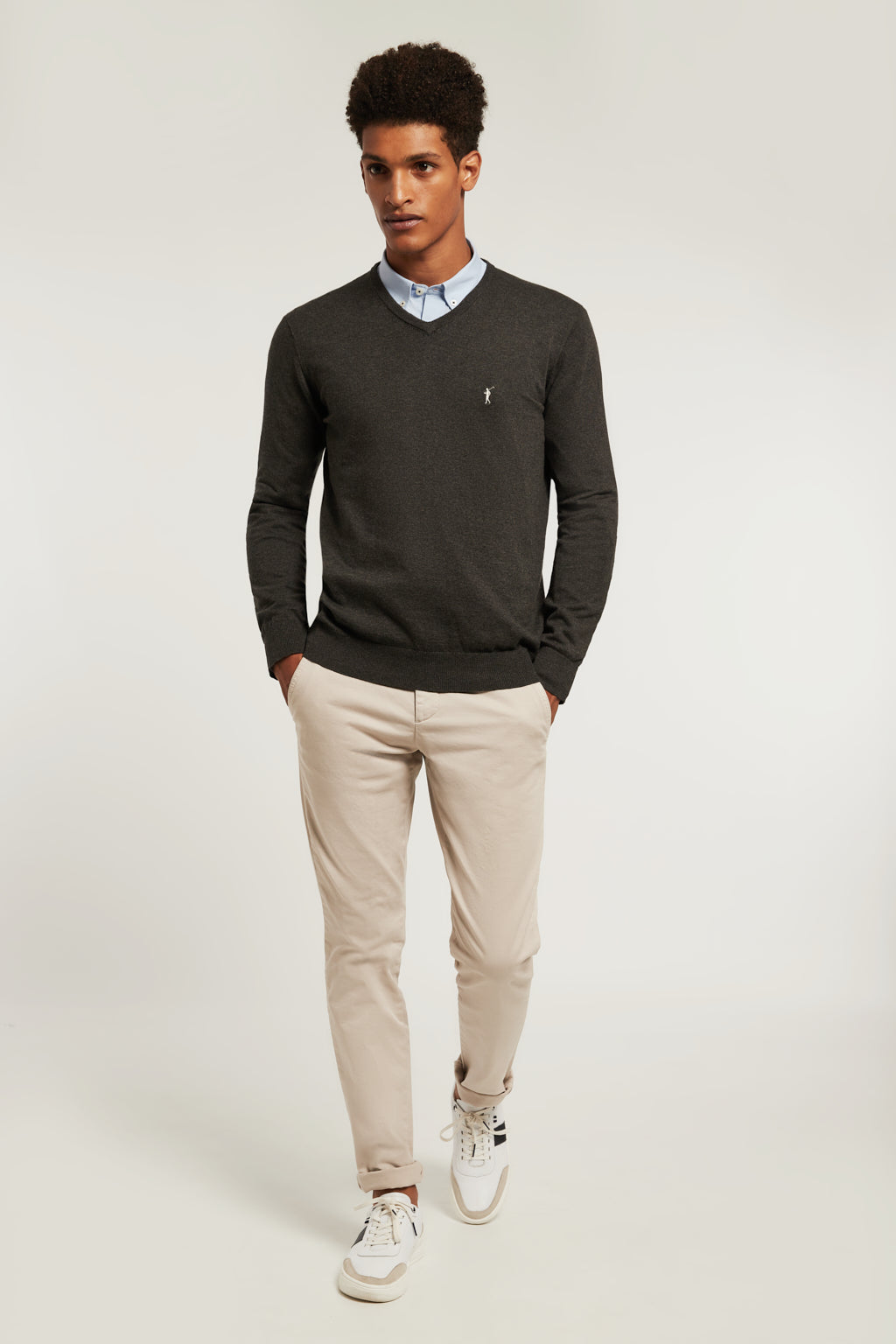 Lead grey vigore V-neck jumper with embroidered logo