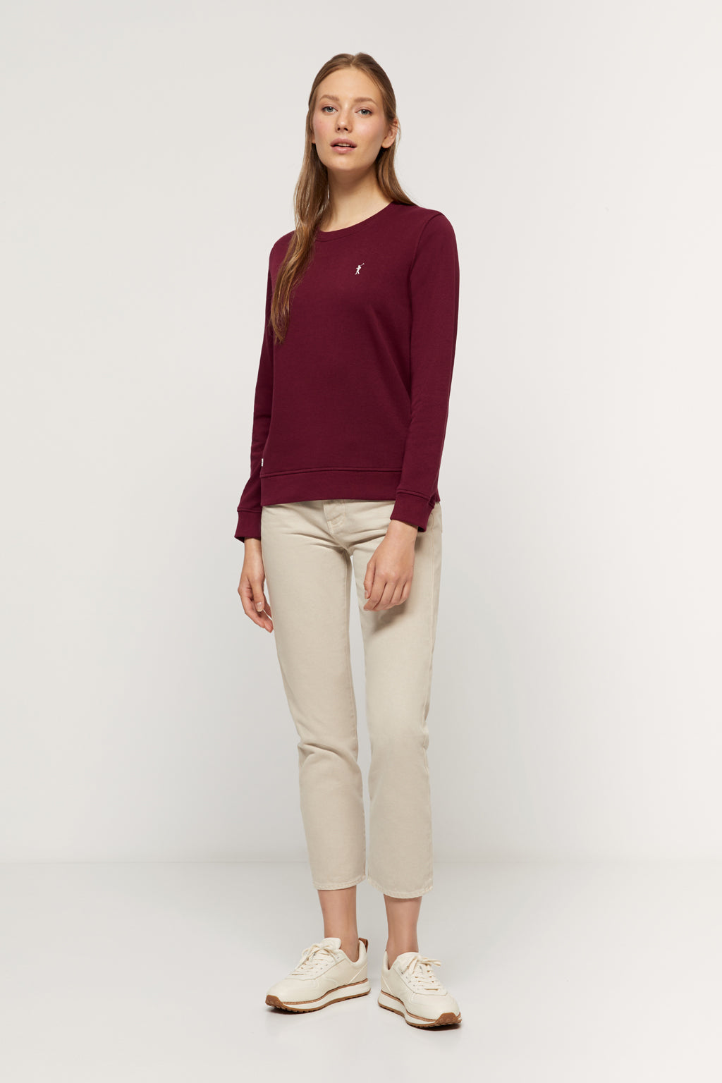 Burgundy round-neck sweatshirt made from organic cotton