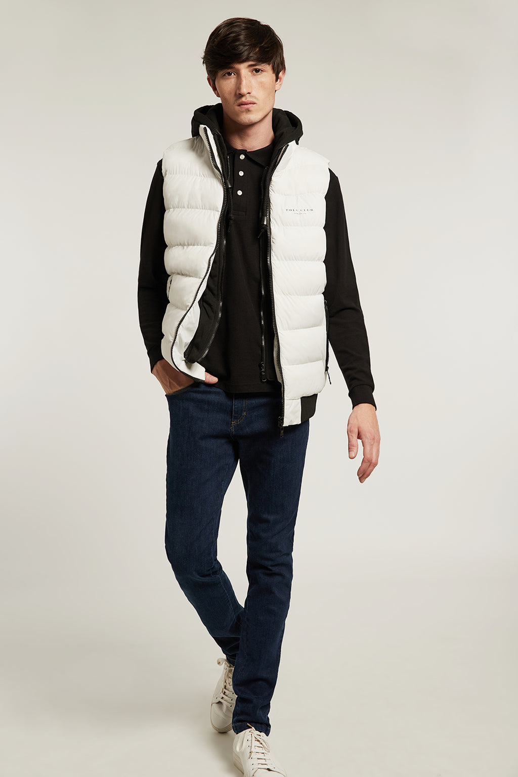 White quilted vest in quilted fabric
