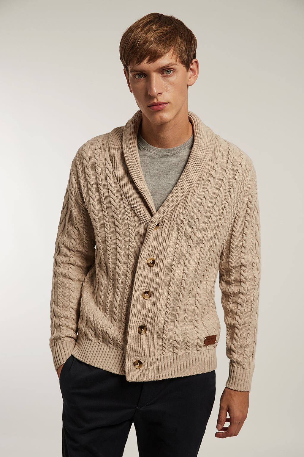 Sand cardigan with lapel collar