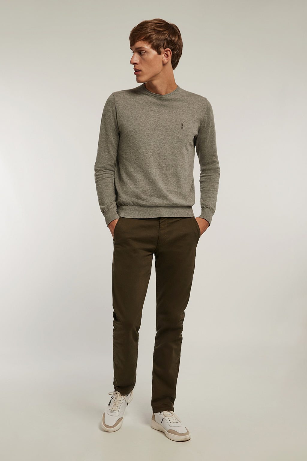 Khaki custom fit chinos