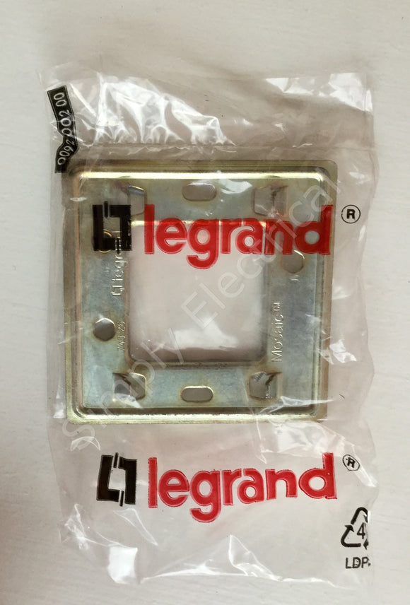 Legrand Mosaic Mounting Frame for 1 Gang BS Boxes w/ Earth Terminal - 74826 from £1.76/unit