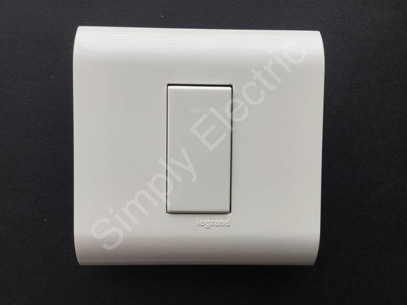 Legrand Mosaic Light Switch 20ax 250v with Cover plate WHITE- 74550 - from £2.40/unit
