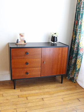 BUFFET VINTAGE BLACK AND WOOD