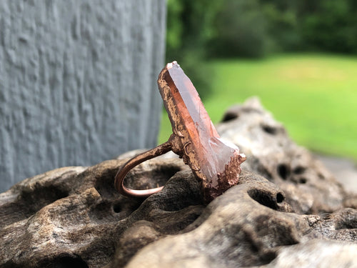 Clear quartz shield ring