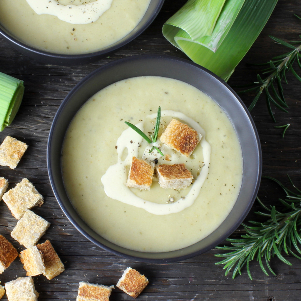 Easy & delicious roast potato and leek soup
