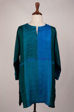 Load image into Gallery viewer, Pure silk shibori dyed silk kurta top in peacock tones of emerald and turquoise.