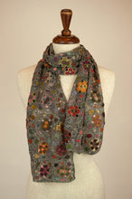 Load image into Gallery viewer, Sophie Digard scarf - Gritstone flowers