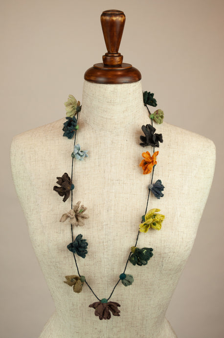 Sophie Digard necklace - wool daisies