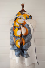 Load image into Gallery viewer, Inouitoosh scarf - Pomme white