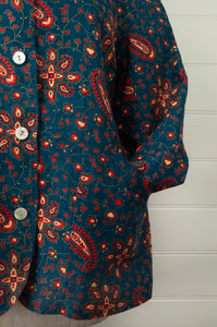 Dve Varuuni pure linen jacket, paisley print, shell buttons, patch pockets (close up).