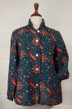 Load image into Gallery viewer, Dve Varuuni pure linen jacket, paisley print, shell buttons, patch pockets.