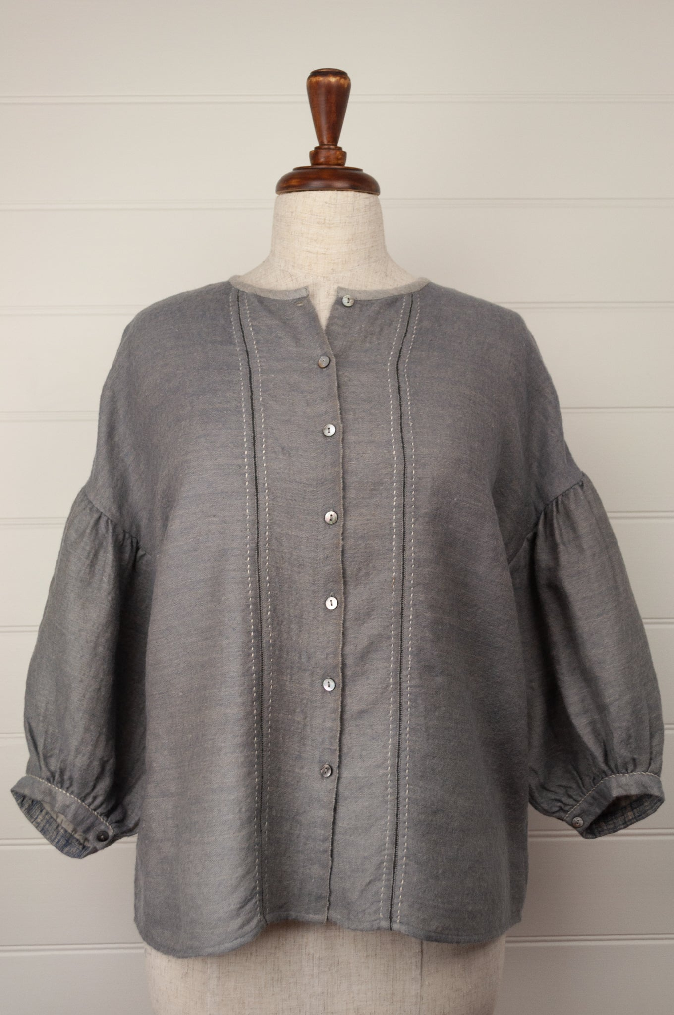 Dve Ishi button up top - grey wool