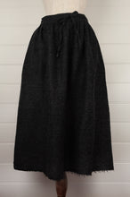 Load image into Gallery viewer, Dve Isha skirt - charcoal wool