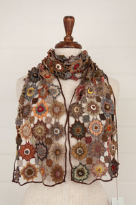 Sophie Digard Vente Solaire design scarf in pure wool with linen details in the Earth palette.
