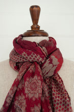 Load image into Gallery viewer, Létol organic cotton jacquard scarf made in France, Donatella Fuschia in shades of deep red and pink.